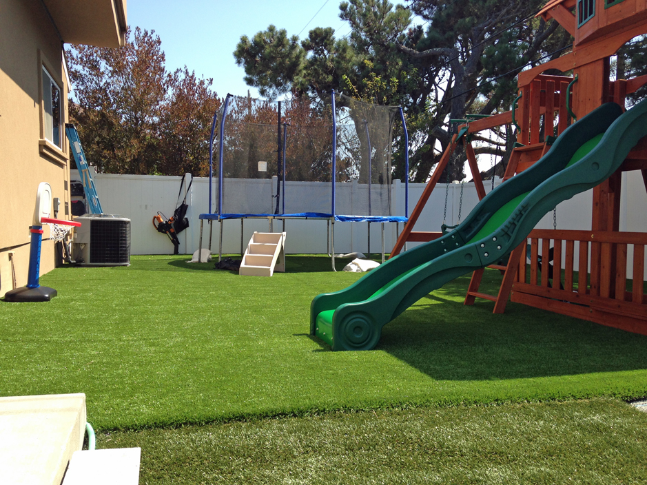 Synthetic Lawn Wikieup Arizona Kids Indoor Playground Small